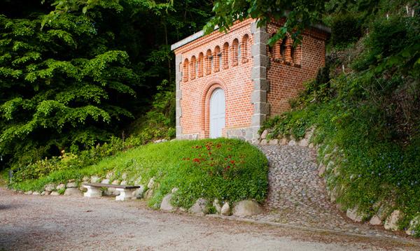 Gartenbau breuer Leistungen: Wege und Mauern