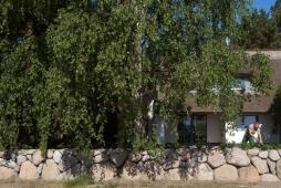 Privatgarten in Dierhagen: Bau einer Feldsteinmauer